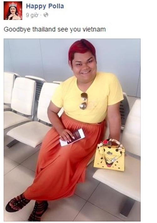 """Dòng thông báo của Happy Polla sẽ đến Việt Nam trước đó. Happy Polla là hiện tượng mạng từng gây bão năm 2013 bởi những bức ảnh tự sướng vô cùng tự tin về nhan sắc """"có hạn"""" của mình. Cô nàng là nhân vật được nhiều cư dân mạng mang ra làm ảnh chế. Với số lượng fan Việt đông đảo trên Facebook, Happy Polla từng dành lời cảm ơn fan Việt, chia sẻ hiểu biết về các món ăn Việt Nam như bún chả hay thói quen trà chanh chém gió của teen Việt trong một video quảng bá sản phẩm dành cho điện thoại năm 2013."""