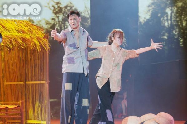Trần Ly Ly tỏ ra tiếc nuối bài nhày có nhiều hoạt cảnh khiến