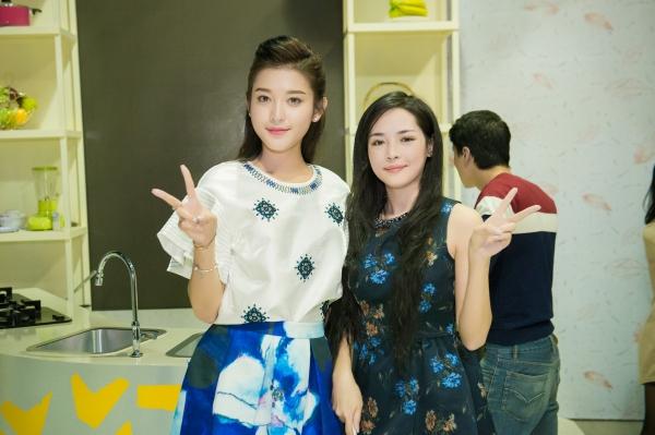 Tại trường quay, Huyền My gặp gỡ Thanh Quỳnh, cô gái Nam Định lột xác nhờ phẩu thuật thẩm mỹ gây chú ý thời gian gần đây.