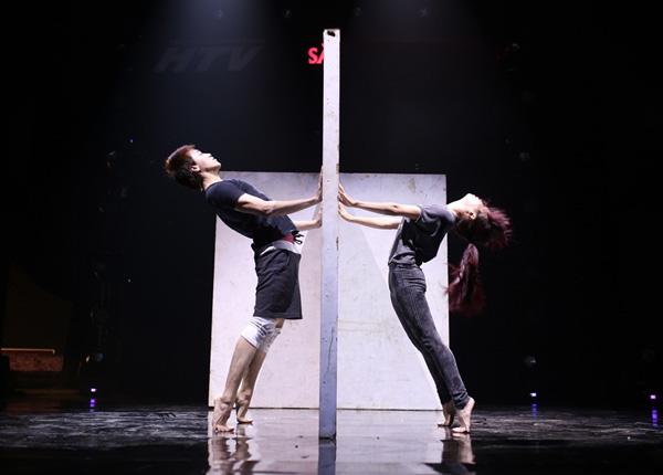 Đình Lộc xuất thân từ Thử thách cùng bước nhảy sẽ trình diễn bài nhảy từng thể hiện trong cuộc thi mùa hai nhưng với người yêu Xuân Thảo (mùa 2 là Mỹ An).