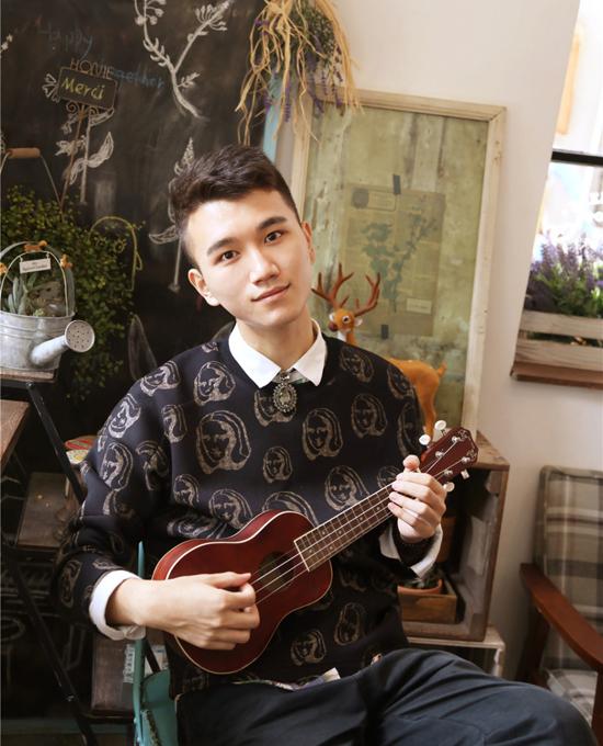 Theo Sina, Lý Tề Hiền từng giành giải nhì cuộc thi Toán học ứng dụng dành cho sinh viên ở Mỹ, từng đại diện cho ĐH Vũ Hán tham gia chương trình truyền hình thực tế về săn việc làm trên đài Giang Tô.