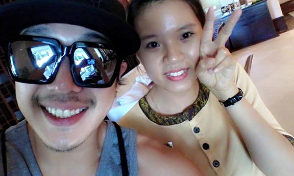Bức ảnh một nhân viên resort tại Đà Nẵng chụp ảnh cùng Haha đang được các fan truyền tay nhau. Ảnh: Facebook Running Man VietFans.