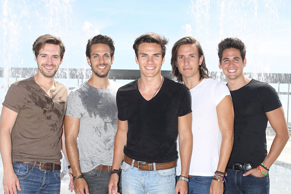 Từ trái qua: Luis Gonzalvo, Nacho Gotor,  Andres Ceballos, Martin Ceballos, Alberto Gonzalez