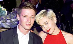 Miley Cyrus bất ngờ làm lành với bạn trai sau scandal bị phản bội