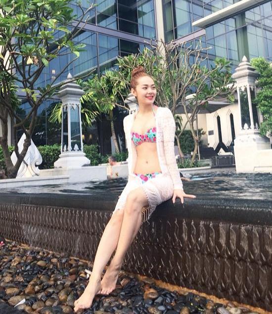 xi-ta-hot-girl-khoe-dang-voi-b-3461-4167