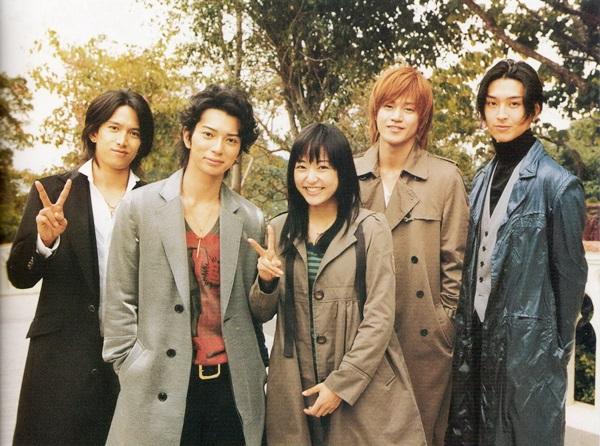 Bên cạnh chuyện tình hoàng tử - lọ lem giữa nàng Tsukushi và thủ lĩnh F4 Tsukusa, bộ phim còn thể hiện những vấn đề lớn trong trường học như phân biệt giàu nghèo, bạo lực học đường&