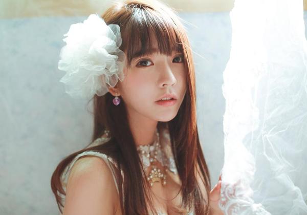 Mới đây, Yurisa tạo cơn sốt trên mạng xã hội Trung Quốc khi lập tài khoản Weibo và   nhanh chóng thu hút hơn 380.000 fan chỉ trong một tuần.