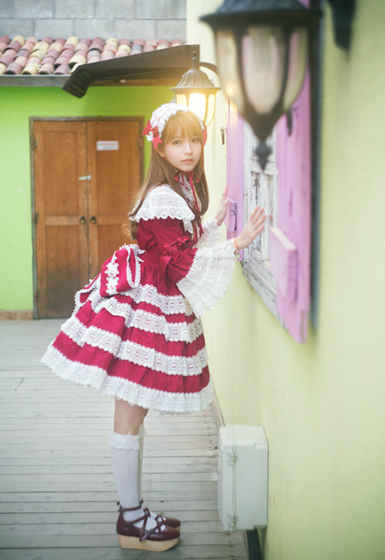 Yurisa thường hóa thân thành công chúa, Lolita dễ thương trong các bộ ảnh mang phong   cách manga, anime.