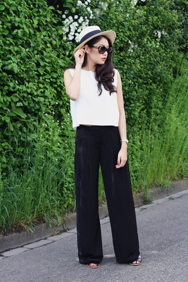 My name is Thao Nhi Le a young girl at proactive age. Im a Vietnamese girl studying International Fashion Retail at the University of Reutlingen. My hometown is the city of Ulm, a rather small city in the South of Germany, but Hanoi, Vietnam is where my heart is.Lê Thảo Nhi năm nay 19 tuổi, đang là du học sinh