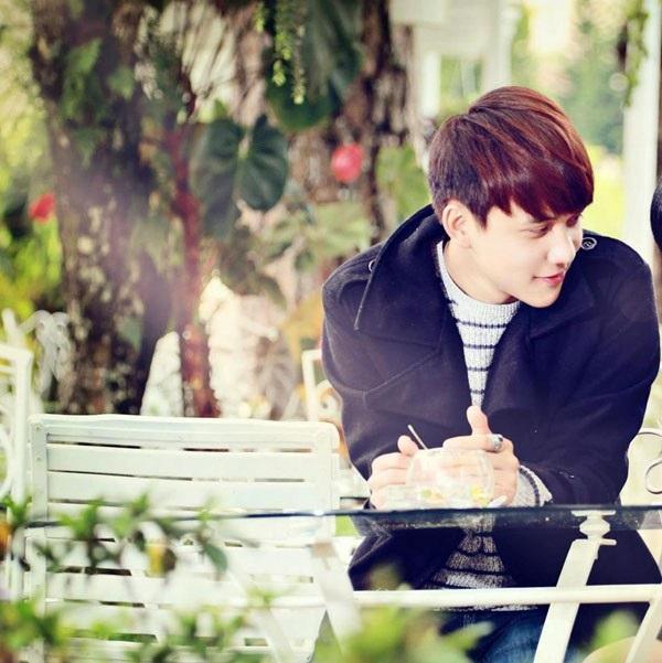 Vẻ điển trai như diễn viên Hàn Quốc của