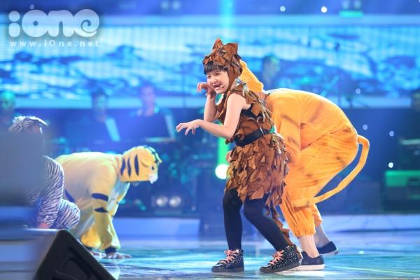 Duc-Vinh-Vietnam-s-Got-Talent-2556-9699-