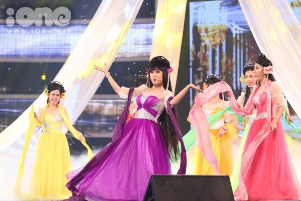 Duc-Vinh-Vietnam-s-Got-Talent-8603-6987-