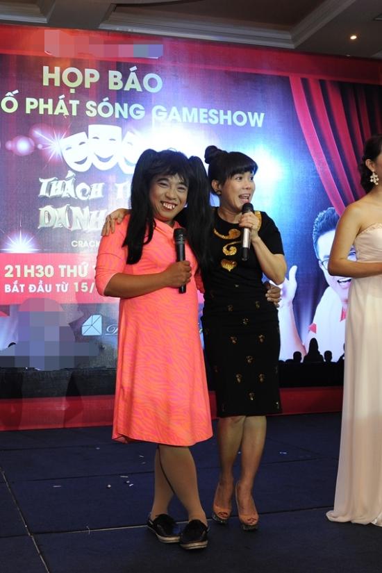 Chị tự nhận mình và thí sinh này 'giống nhau như hai giọt nước'. Thiện Trung là một trong những người chơi chọc cười Việt Hương, Trấn Thành thành công, ẵm giải thưởng 100 triệu của chương trình.