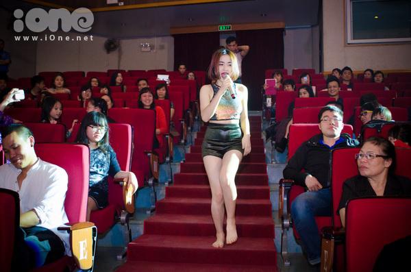 hoa-minzy-nhay-nhot-tung-bung-5574-2126-