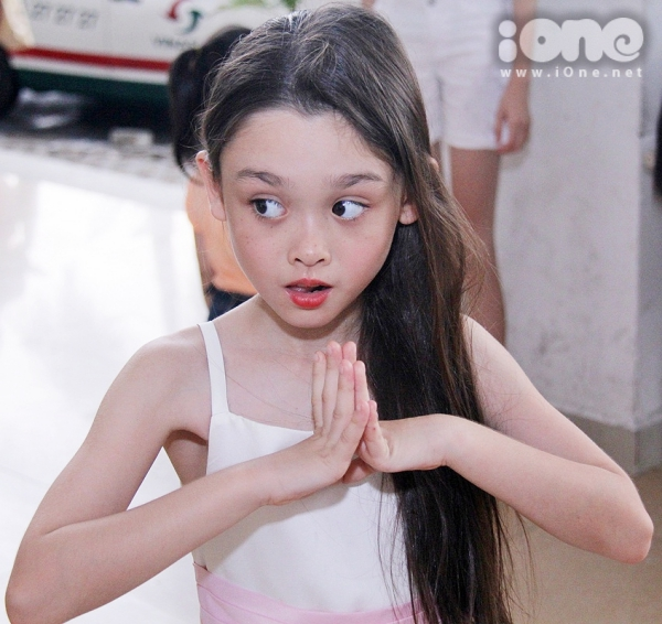 Linh-Carol-6-JPG-3735-1429092517.jpg