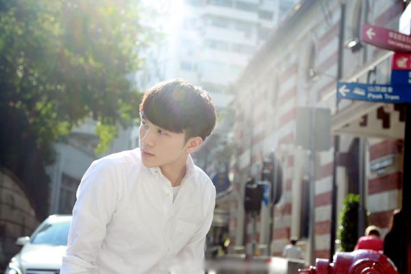 Ngô Đại Vỹ (David), 24 tuổi, là nhân vật đình đám trên mạng xã hội Trung Quốc với gần   4,8 triệu người theo dõi.