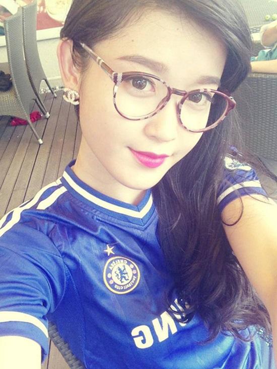 Nguyễn Trần Huyền My (sinh năm 1995) trở thành gương mặt được chú ý sau khi giành ngôi vị Á hậu 1 Hoa hậu Việt Nam 2014.
