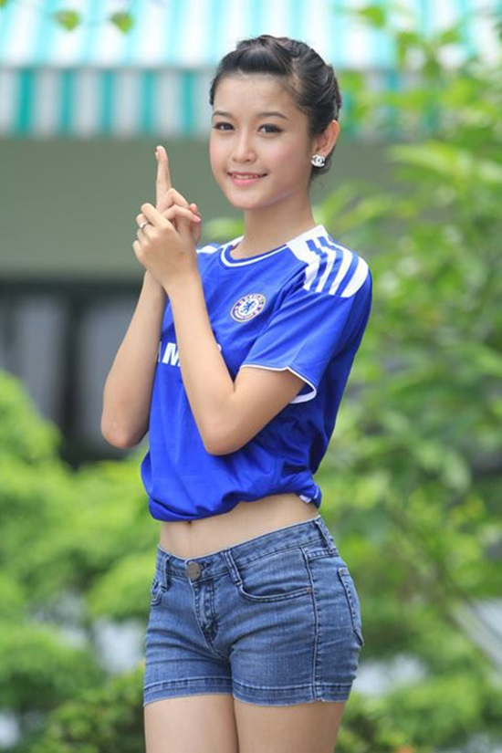 Thieu-nu-Viet-yeu-bong-da-8.jpg