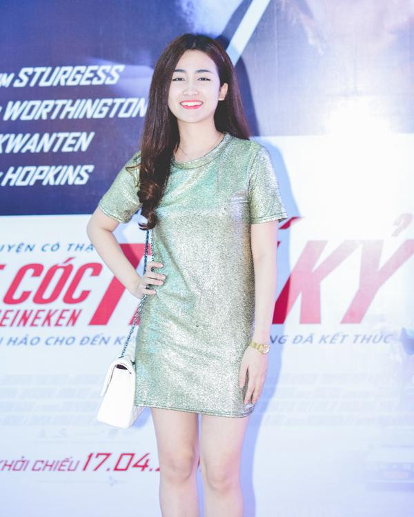 Tối 16/4, nữ DJ xinh đẹp Trang Moon đến dự buổi ra mắt bộ phim Kidnapping   Mr.Heineken (Vụ Bắt Cóc Thế Kỷ).