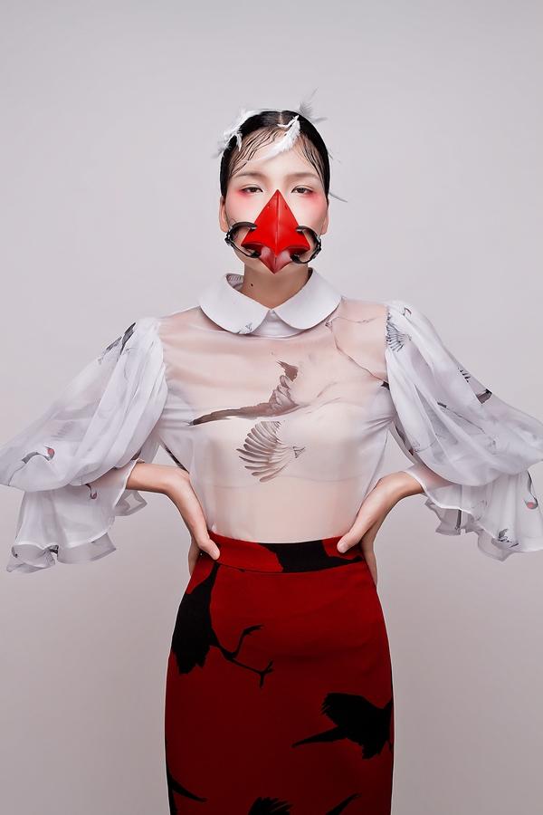 Bộ ảnh chứng tỏ sự trưởng thành rõ nét từng ngày của Chà Mi.Cô gái 21 tuổi này hiện theo học tại trường Cao đẳng Phát thanh Truyền hình TP HCM. Trong tương lai, cô nàng muốn phát triển sự nghiệp người mẫu song song với việc trở thành một biên tập viên thời trang.