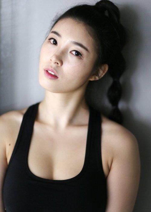 yoo-seung-ok-11-7497-1429243873.jpg
