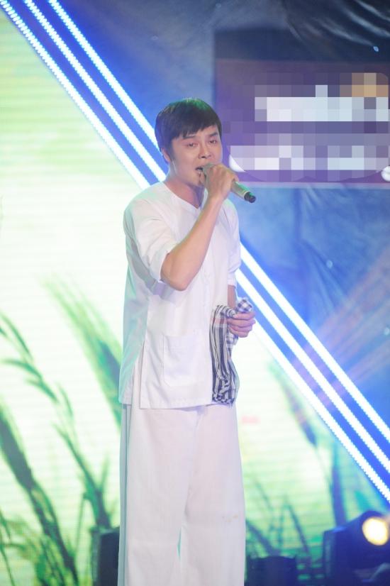 Võ Minh Lâmchọn ca khúc Về đâu mái tóc người thươngtrình diễn và giọng hát ngọt lịm