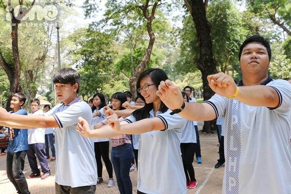 Flashmob-Le-Hong-Phong-4.jpg