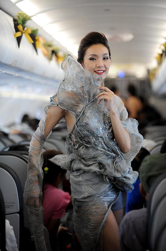 Thời gian gần đây, những thiết kế của Quỳnh Paris nhận được rất nhiều sự quan tâm của những ngôi sao thế giới, như diễn viên Rebecca Da Costa  diễn viên chính trong phim The Bag Man. Rất nhiều ngôi sao Hollywood đã lựa chọn thiết kế của Quynh Paris để tham dự và trình diễn tại tuần lễ thời trang Los Angeles 2015. Đặc biệt, nữ diễn viên Blanca Blanco lựa chọn chiếc đầm của Quỳnh Paris để tham dự lể trao giải Oscars 2015.
