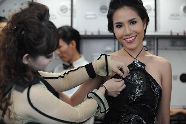 Ý tưởng táo bạo này là của nhà thiết kế Quỳnh Paris.sau khi góp mặt ở tuần lễ thời trang thu đông New York, nhà thiết kế Quỳnh Paris tiếp tục chuẩn bị cho các bộ sưu tập mới của mình sẽ trình diễn ở Los Angeles, Paris và Việt Nam