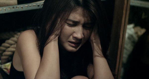 Kim Tuyến ngã bất tỉnh 10 giây vì đuổi ma