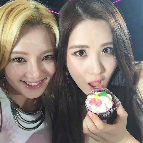 hyoyeon-seohyun-7720-1430187112.jpg