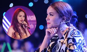Yến Trang không thể rời mắt khỏi Hương Giang Idol