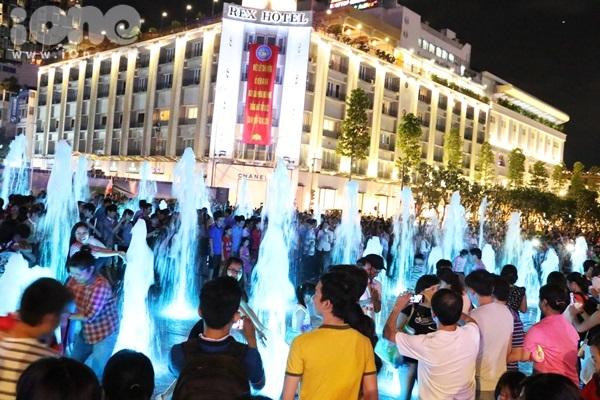 pho-di-bo-Nguyen-Hue-19-2770-1430357255.