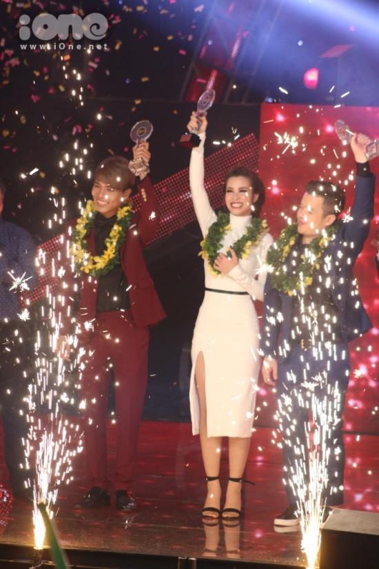 Sở hữu lượng bình chọn áp đảo từ khán giả, Đông Nhi xuất sắc giải Đặc biệt, tương đương ngôi vị quán quân chương trình The Remix đầu tiên.