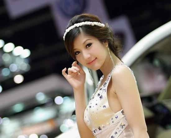 Panattha Siriramphaiwong (25 tuổi, đến từ Bangkok) là cái tên được giới trẻ Thái Lan vô cùng yêu mến.