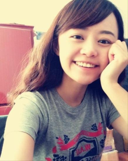 hu Jing là nữ thạc sỹ trẻ tốt nghiệp ngành Luật dân sự và Thương Mại của Đại học Tứ Xuyên, Trung Quốc.