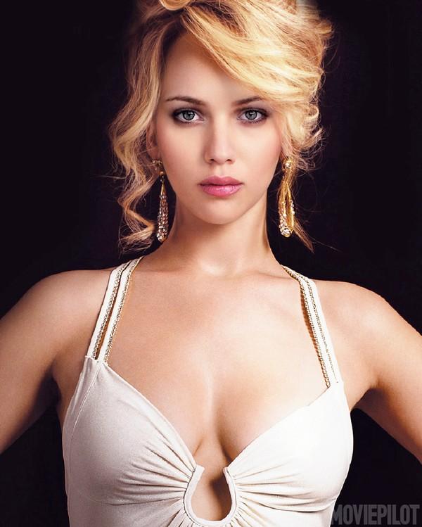 Hai mỹ nhân nóng bỏng của làng điện ảnh thế giới - Jennifer Lawrence và Scarlett Johansson.
