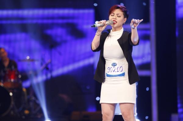 Vietnam-Idol-top-10Tran-Thuy-V-8654-3754