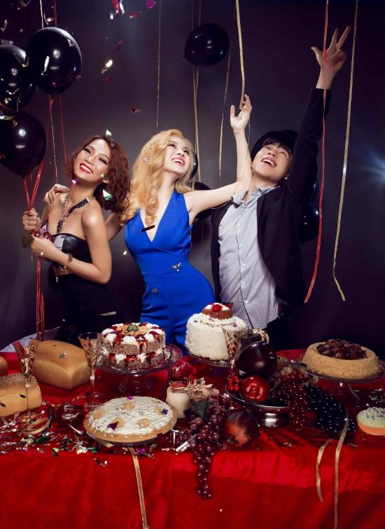 Ngoài là sản phẩm kỉ niệm của các thành viên trong nhóm, All The Love còn là món quà đặc biệt mà Giang Hồng Ngọc muốn gửi tặng khán giả trên cả nước đã ủng hộ cô trong suốt thời gian qua. Đây cũng là album đầu tiên mở màn cho chuỗi dự án của Giang Hồng Ngọc sau khi đạt á quân tại The Remix mùa đầu tiên.