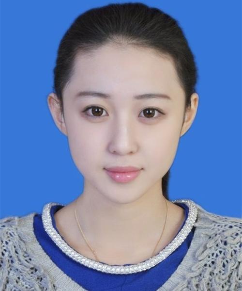 Ảnh thẻ của Luna Xuan, tuy có trang điểm nhưng được khen là có nét riêng, không phải   sản phẩm thẩm mỹ hàng loạt.