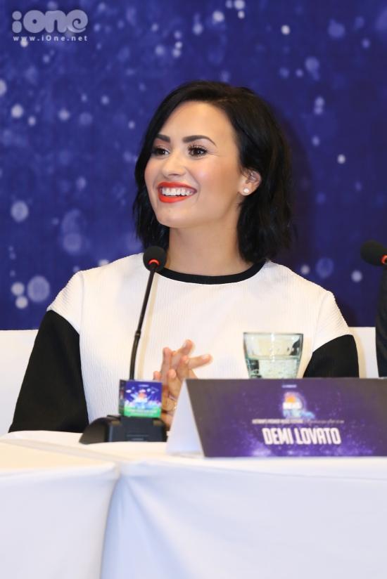 Ai cũng có quá khứ, vấn đề hiện tại nên quan tâm là hiện tại và tương lai như thế nào, Demi Lovato tiếp lời.