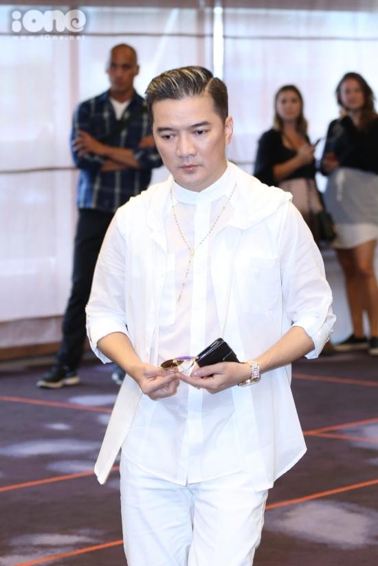 Xuất hiện tại sự kiện còn có sự góp mặt của Đàm Vĩnh Hưng, nam ca sĩ cho biết dù trình diễn trước khi Demi biểu diễn, thế nhưng, anh sẽ ở lại để xem trọn vẹn màn trình diễn của cô nàng tại Việt Nam.