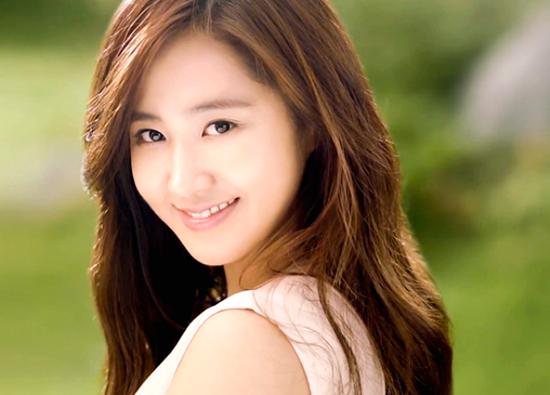 Yuri bị tố yêu đồng tính sau bài phỏng vấn đầy ẩn ý của Son Ye Jin