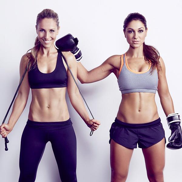 Ngoại hình quyến rũ như diễn viên, hai chị Diana và Felicia (Australia) là cặp huấn luyện viên nổi tiếng truyền cảm hứng tập thể dục đến đông đảo thiếu nữ trên thế giới.