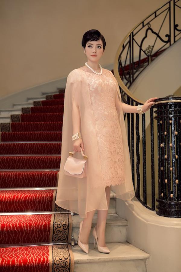 Lý Nhã Kỳ đẹp lộng lẫy ở show Dior bên dàn sao quốc tế