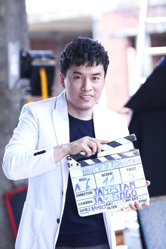 """Sau MV """"Mong em hạnh phúc"""" được ra mắt vào năm 2014 thì cho đến tận giờ Lam Trường mới cho ra mắt sản phẩm mới. """"Như chưa từng gặp nhau"""" chính là ca khúc do anh Hai"""" tự sáng tác dựa trên câu chuyện tình có thật của anh và vợ 9x."""