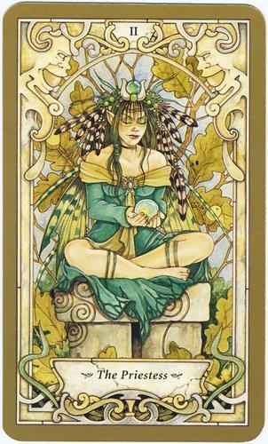 Lua-chon-2-The-Priestess.jpg