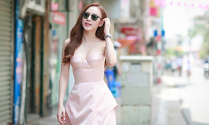 Angela Phương Trinh đẹp như nàng thơ giữa Hà thành