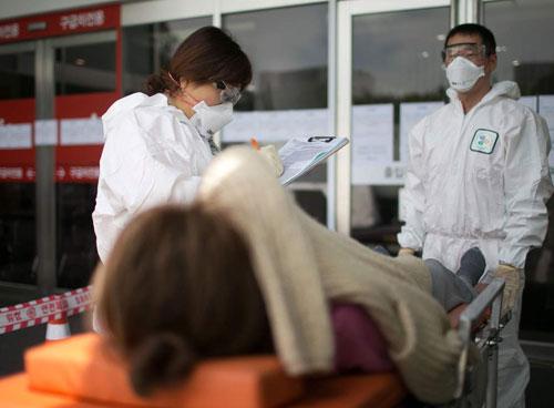 Bệnh nhân Mers-Cov được cách ly tại Hàn Quốc. Ảnh: AP.