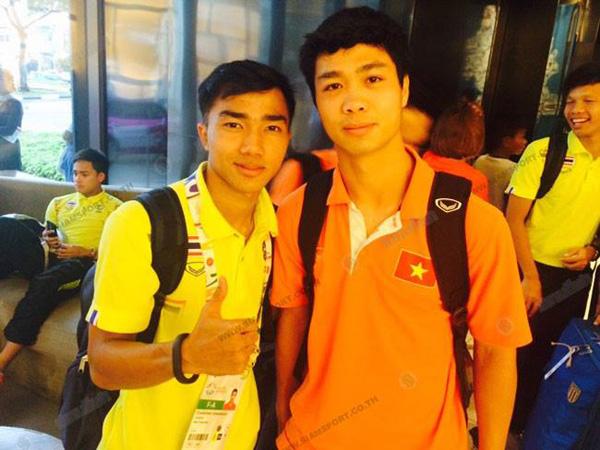Công Phượng khoe hình chụp cùng cầu thủ Chanathip